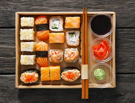 Box sushi d'asporto da 58 pezzi da Yu Restaurant