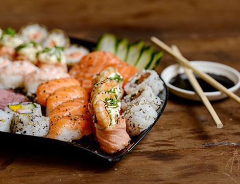 Sushi box da asporto con 60 o 120 pezzi