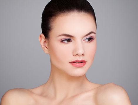 trattamento rigenerante viso all'acido ialuronico Eur