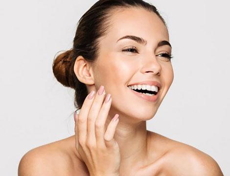 Trattamento viso al acido glicorico