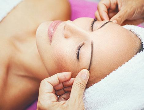 trattamento viso antiage con acido ialuronico