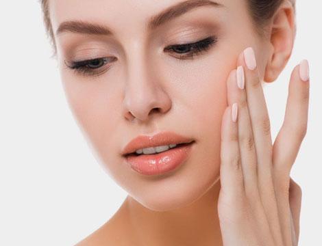 trattamento viso con peeling esfoliante Cipro