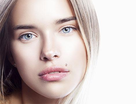 Un trattamento viso con skin cell