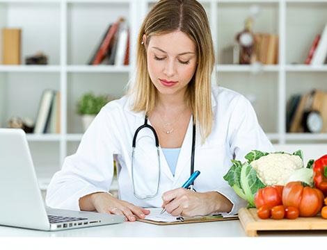 Visita nutrizionale, analisi impedenziometrica con 2 diete personalizzate e controlli