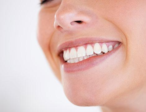 Visita odontoiatrica e sbiancamento denti