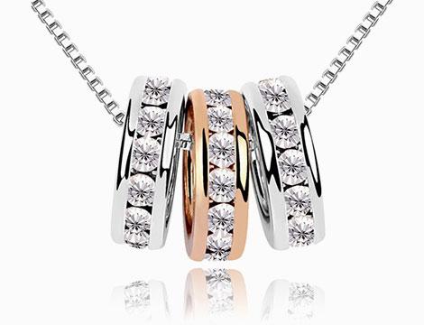 Collana con tre anelli pendenti_N