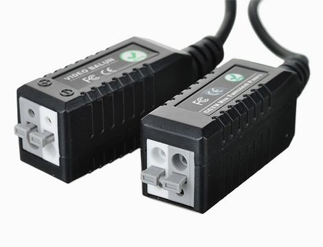 Coppia di connettori video Balun