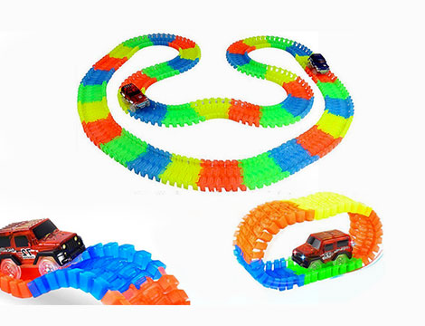 Pista da corsa giocattolo con auto LED
