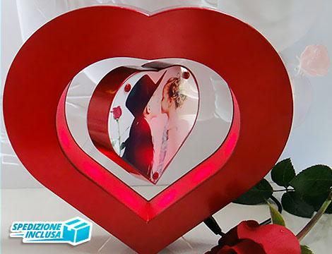 Porta foto magnetico a forma di cuore_N