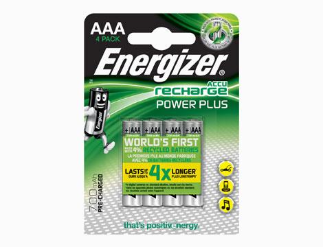 Set Energizer caricabatterie e pile