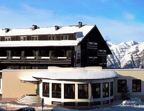 Offerta viaggio dolomiti neve cene wellness groupalia for Family hotel dolomiti