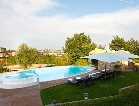 Perugia hotel La Meridiana la piscina