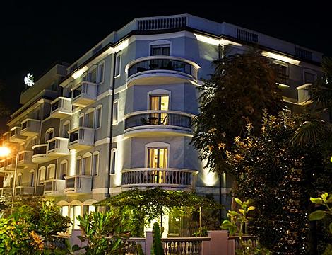 1/7 notti a Rimini presso l'Hotel Sovrana