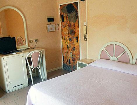 Hotel Britannia o l'Hotel Maria Grazia _N