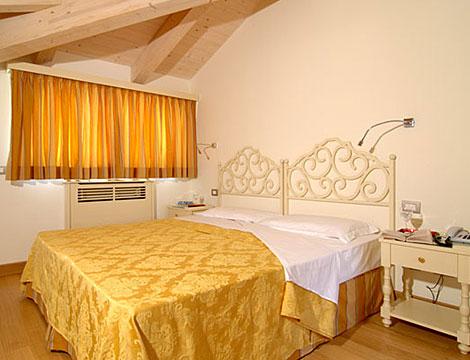 Residenza dei Principi di Santacroce_N