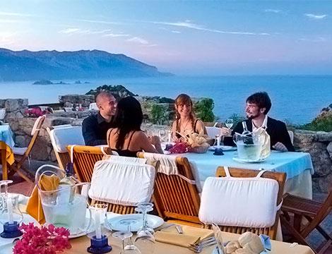 Sardegna Arbatax Park Resort il ristorante esterno