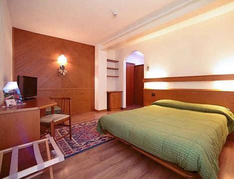 Vetriolo Terme presso l'Hotel Compet_N