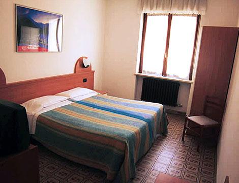 Hotel Dujany_N